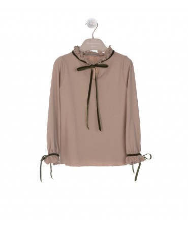 BIEGE BLOUSE WITH RUFFLE AND GREEN RIBBON